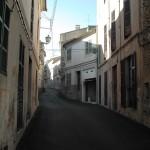 Typische Gasse einer Kleinstadt auf Mallorca