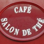 Pariser Café-Schild