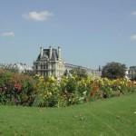 Außenansicht des Louvres in Paris