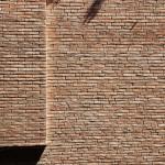 Steinmauer in Modena (Italien)