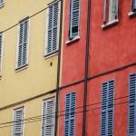 Fensterläden in Modena (Italien)