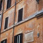 Alte Hausfassade in Rom
