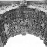 Antiker römischer Bogen