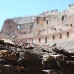 Im Inneren des römischen Kolosseums
