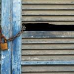 Verschlossener Fensterladen auf Ischia