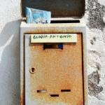 Ein Briefkasten in Ischia Porto