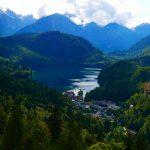 Der Alpsee und Hohenschwangau bei Schloss Neuschwanstein