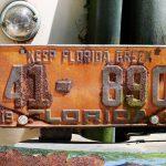 Nummernschild eines Oldtimers in Amelia Island (Florida)