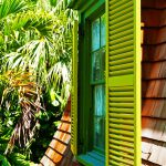Fenster des Arbeitszimmers von Ernest Hemingway in seinem Haus auf Key West (Florida)
