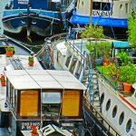 Hausboote auf der Seine in Paris