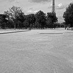 Blick vom Champ de Mars auf den Eiffelturm