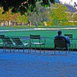 Ausruhen im Jardin des Tuileries in Paris