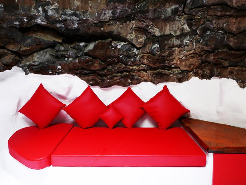 Roter Salon in der Fundación César Manrique (Lanzarote)