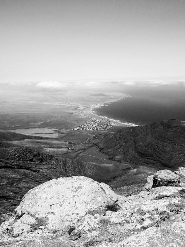 Ausblick vom Famara-Massiv (Lanzarote)