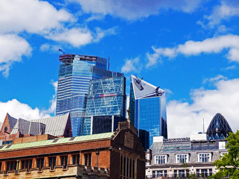 Moderne Bürogebäude in London