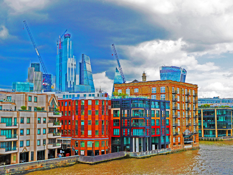 Bürogebäude am Londoner Themse-Ufer