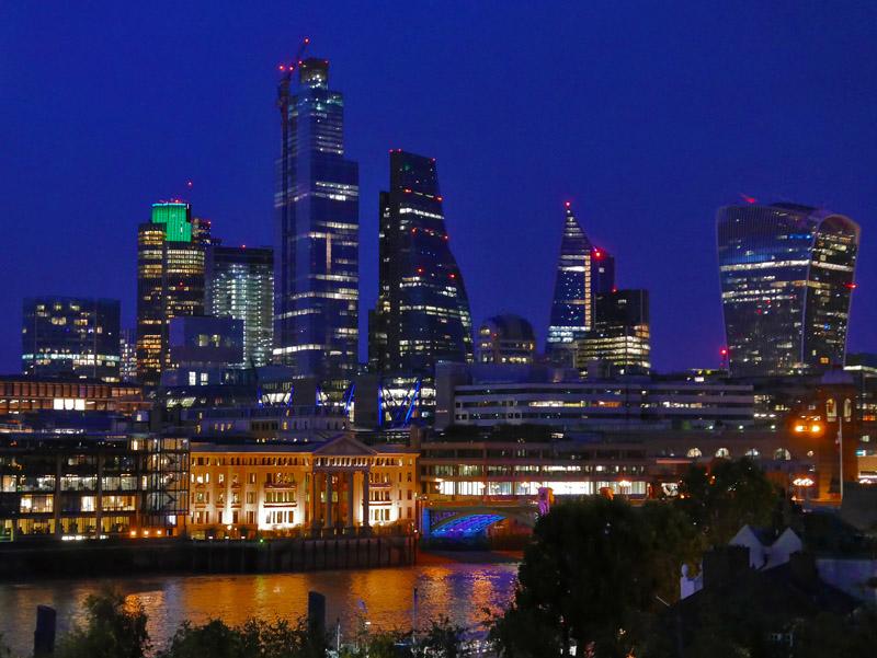 Nächtliche Londoner Skyline